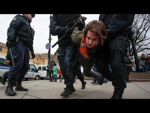 Anti-Putin-Proteste: Mehr als 1000 Festnahmen