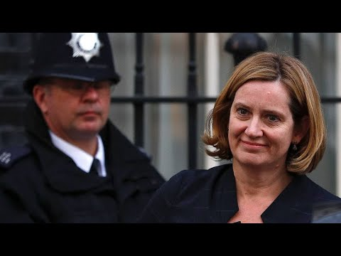 Britische Innenministerin tritt zurück