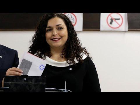 Wahl im Kosovo hat begonnen: Erstmals Ministerpräsidentin?